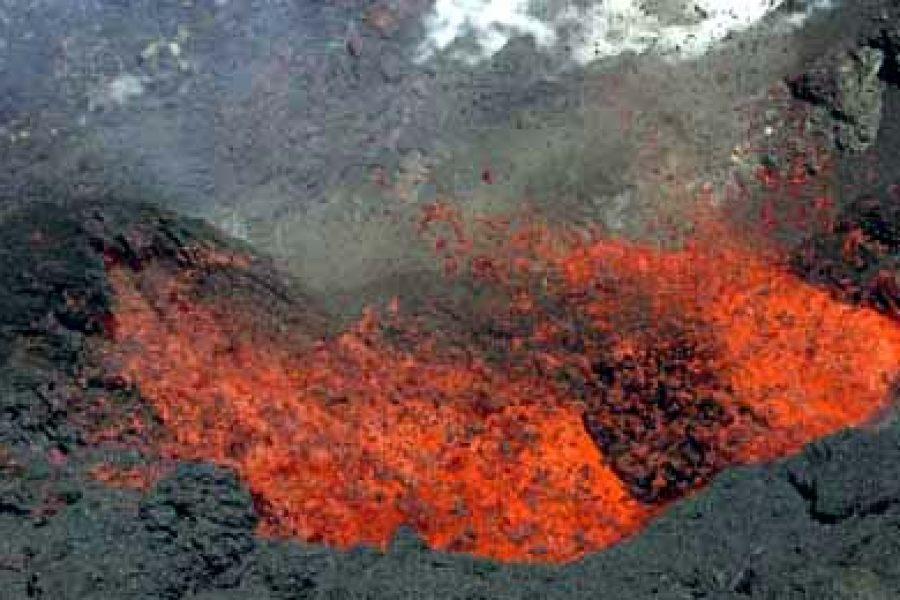 Éruption du 4 juin 2003