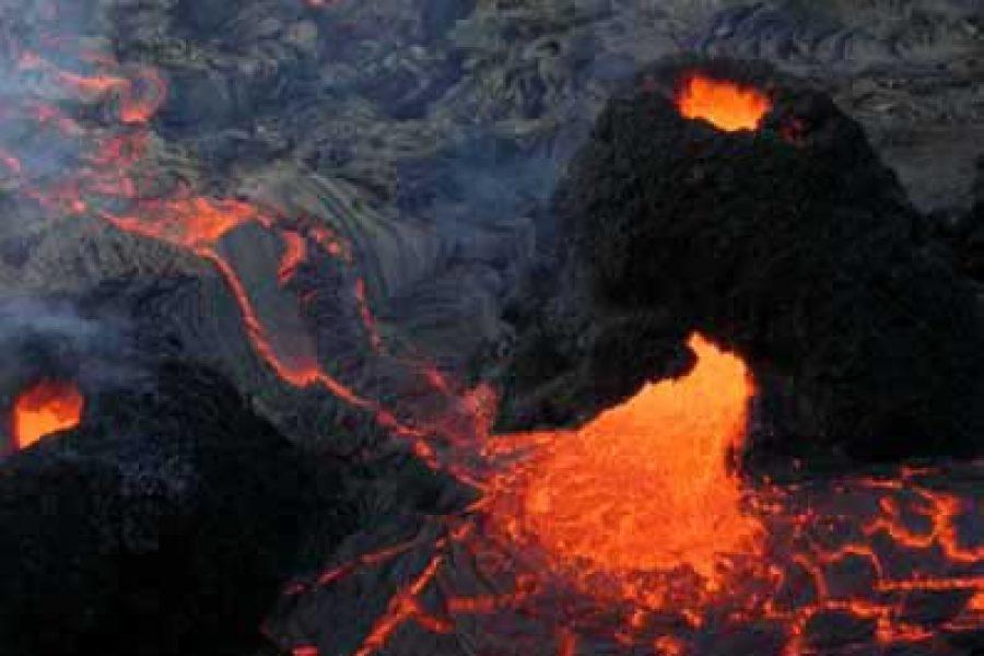 Éruption du 7 décembre 2003
