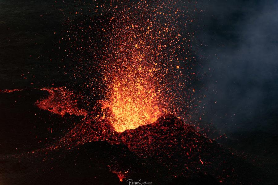 Éruption du 7 décembre 2020